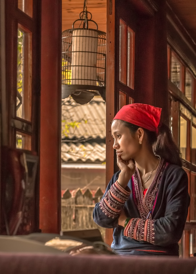 Waiting in Sapa Vietnam - Cindy Carlsson - SPCC