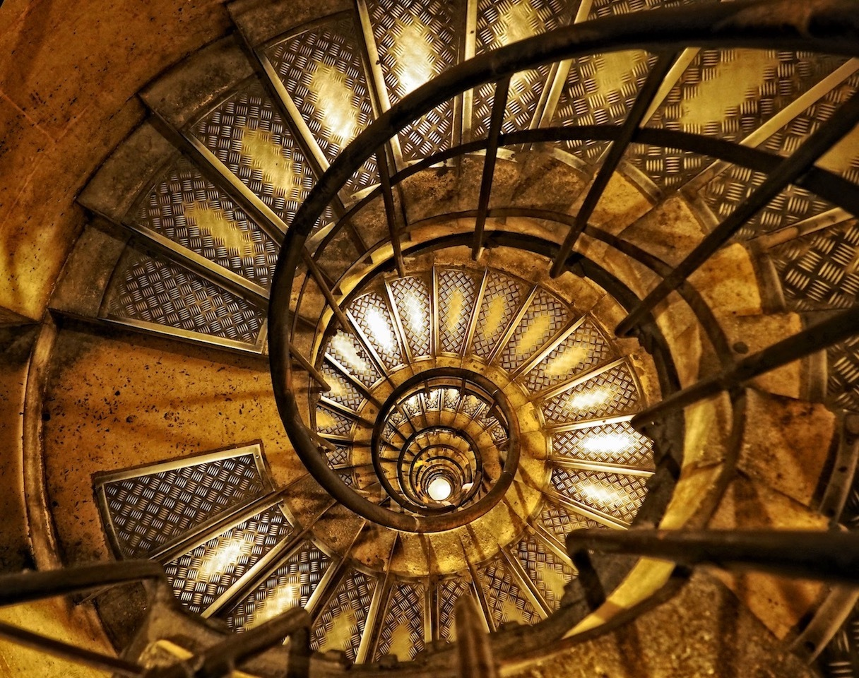 Honorable Mention - Spiral Stairwell of Arc de Triomphe - Monika Sukhatme - SPCC