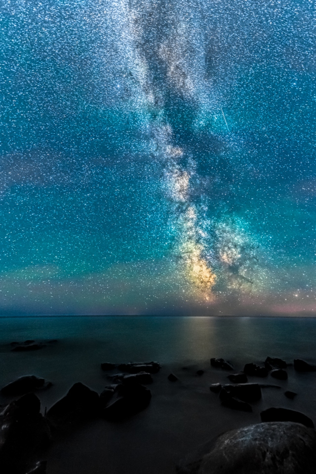 Honorable Mention - The Milky Way over Lake Superior - Marianne Diericks - WWPC