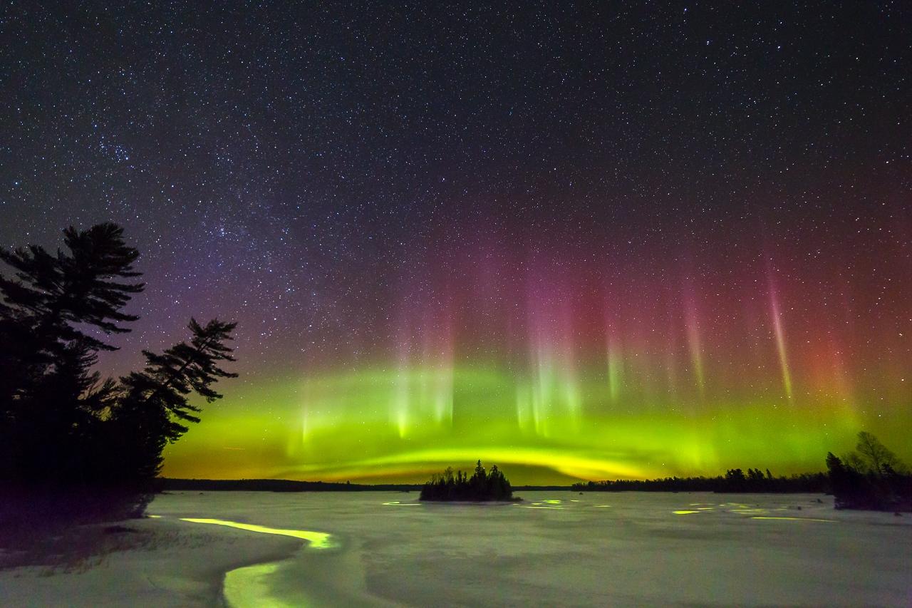 Aurora Borealis - Boulder Lake - Karl Fiegenschuh - MNPC