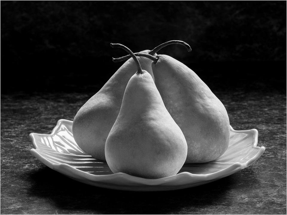 Bosc Pears on Green Plate - Peggy Boike - SCVCC