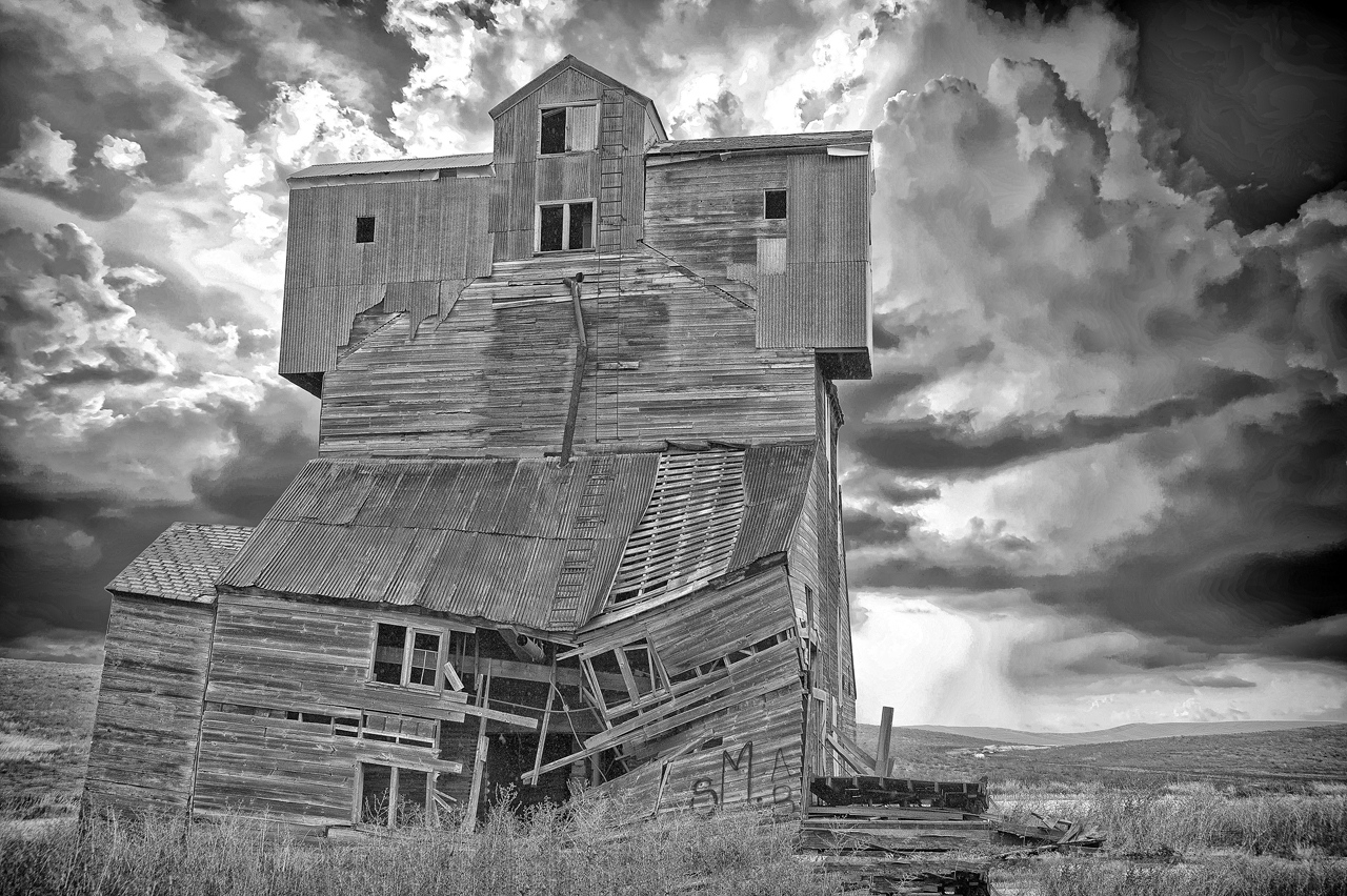 Honorable Mention - Old Building - Kathy Wall - North Metro Photo Club